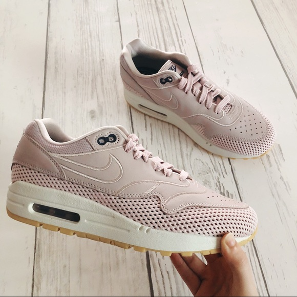 new product 66990 796e9 NEW Nike AIR MAX 1 SI shoes Particle Rose size 8.5